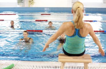 Aqua vesi aeroobika trenn
